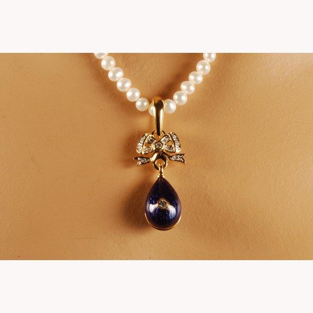 Russisk perlehalskæde med Fabergéæg i lapis