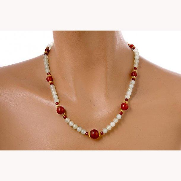 Kinesisk jade og karneol halskæde