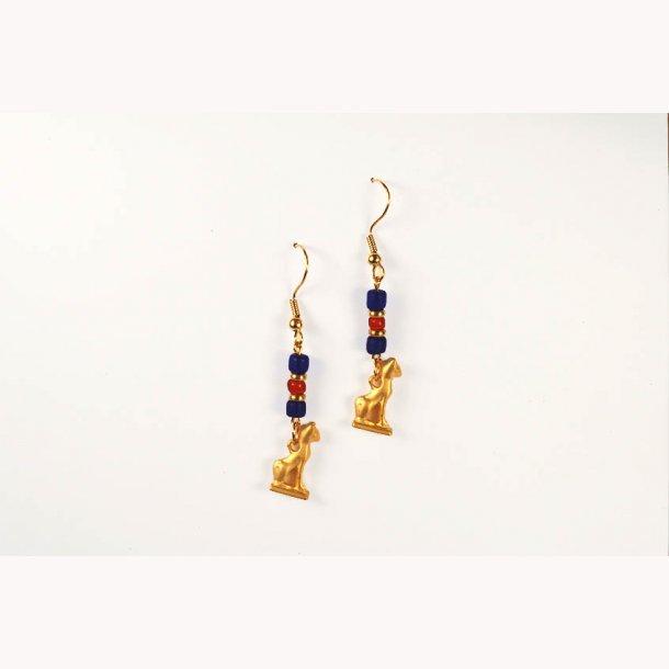 Ægyptiske øreringe, katteamulet med lapis og karneol