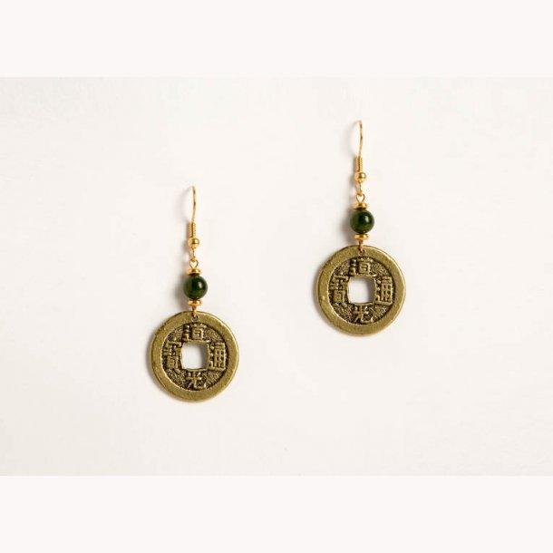 Kinesiske øreringe med I-Ching mønter og jadeperle